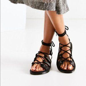 NWOT Dr Martens Jasmine Ghillie Lace up sandals